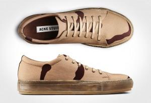 <b>Adrian Beige Ghost Print Sneakers</b>
