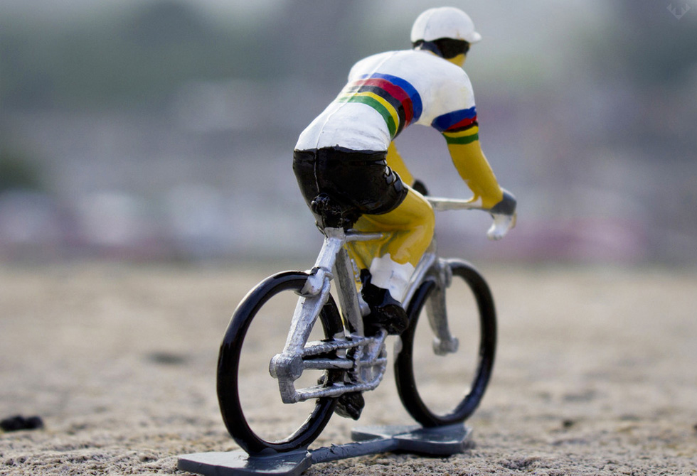Team-Edition-Cycling-Figurines3-lumberjac