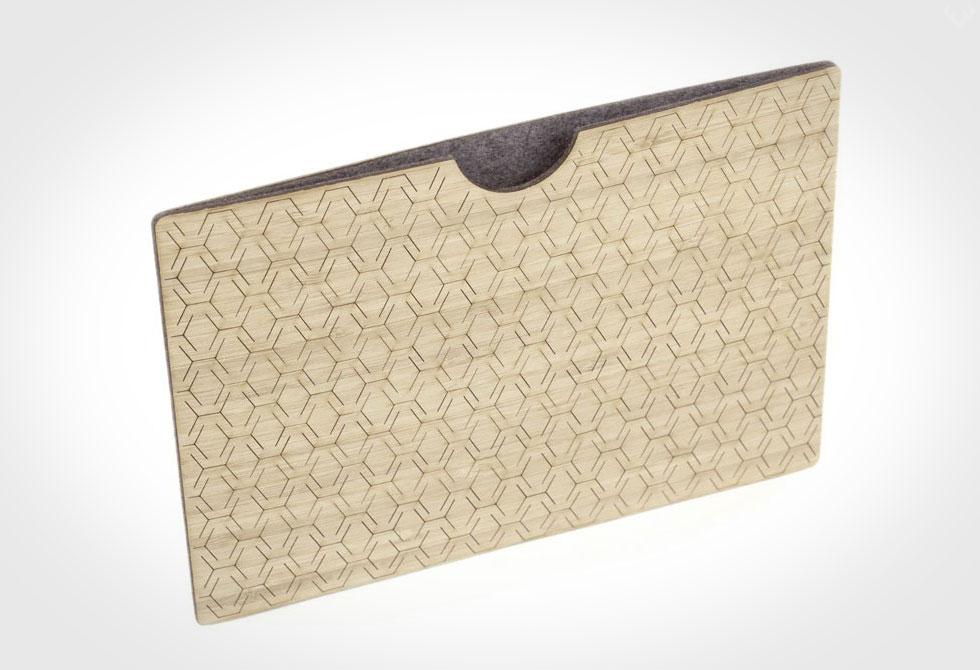 Bamboo-iPad-Sleeve-1-LumberJac