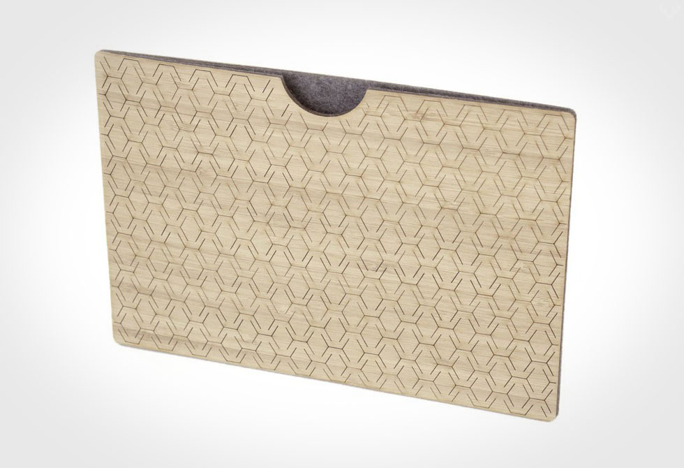 Bamboo-iPad-Sleeve-2-LumberJac