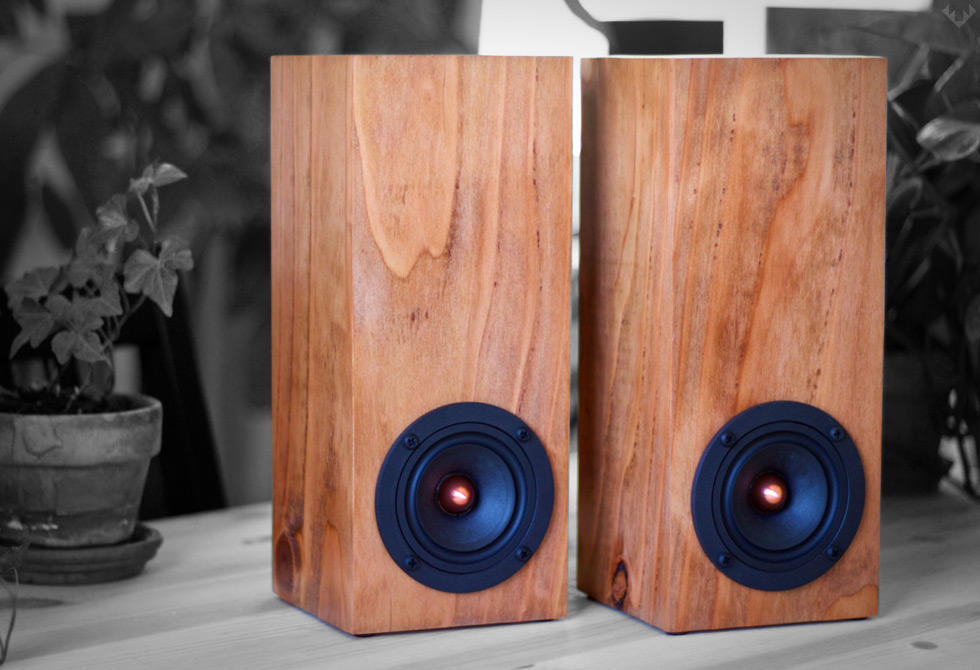 Salvage-Audio-Mini-Tower-Speaker1-LumberJac