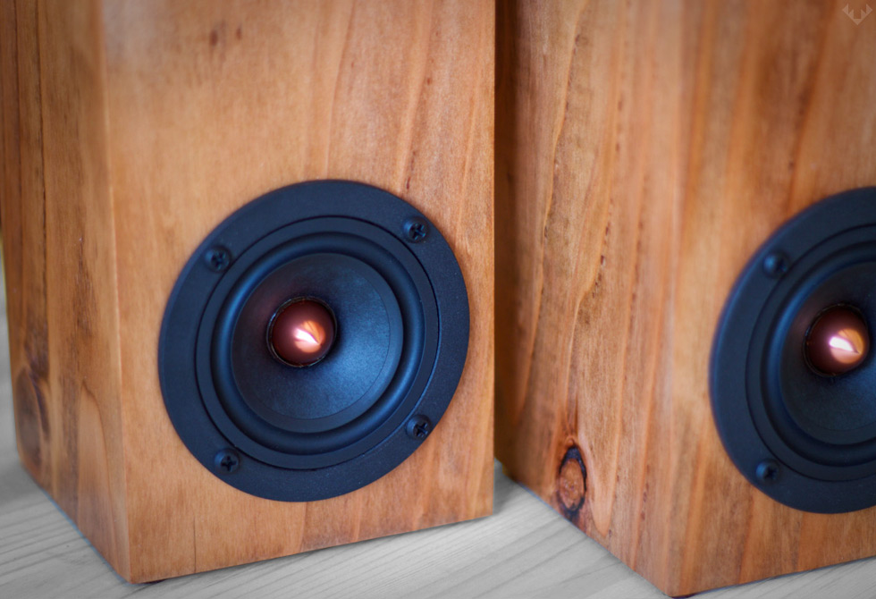 Salvage-Audio-Mini-Tower-Speaker2-LumberJac