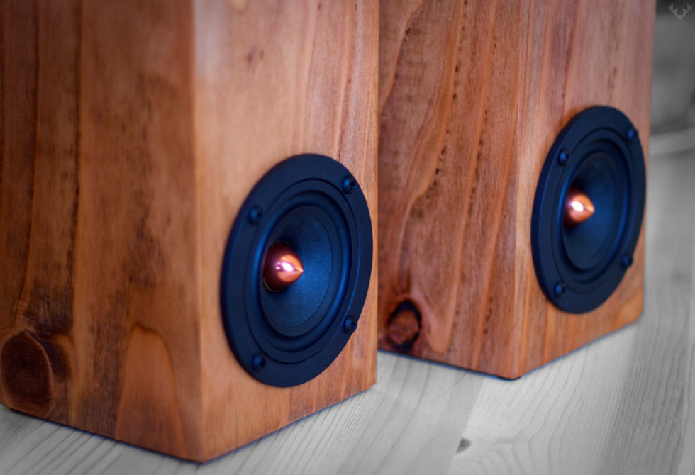 Salvage-Audio-Mini-Tower-Speaker4-LumberJac