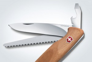 Victorinox-RangerWood-55-Swiss-Army-Knife1-LumberJac
