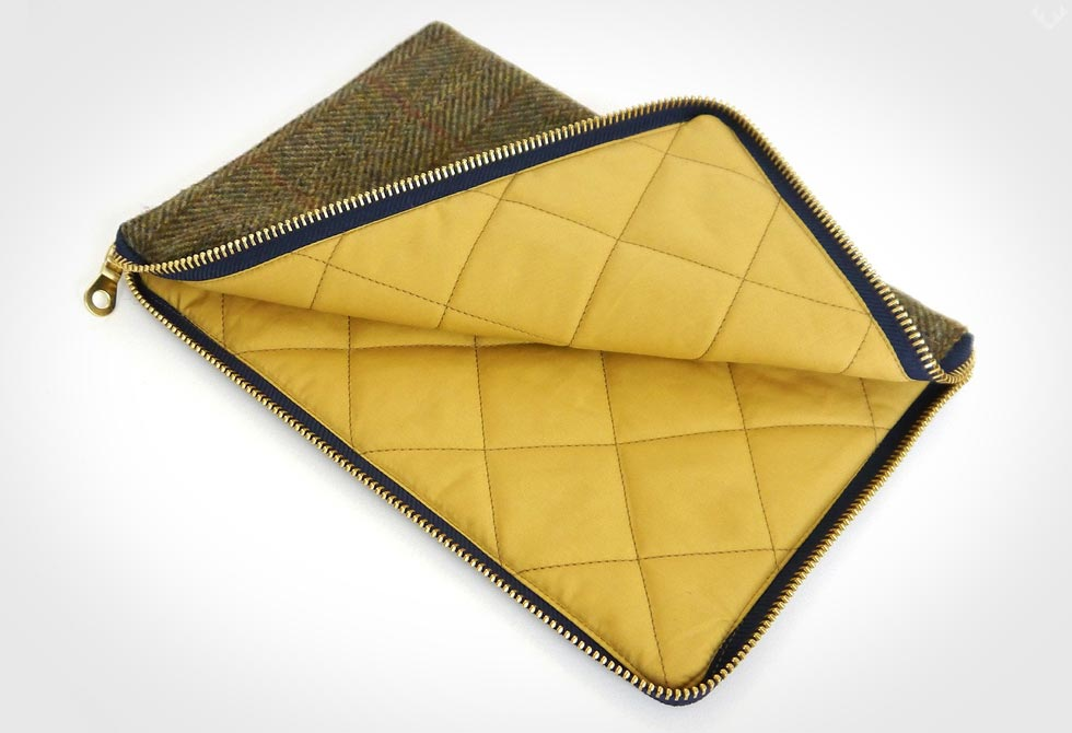 Ballanby-Harris-Tweed-Tablet-Cover-3-LumberJac