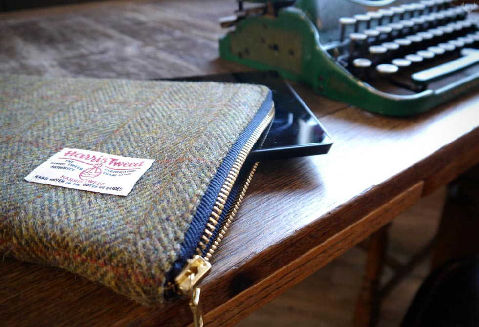 Ballanby-Harris-Tweed-Tablet-Cover-6-LumberJac