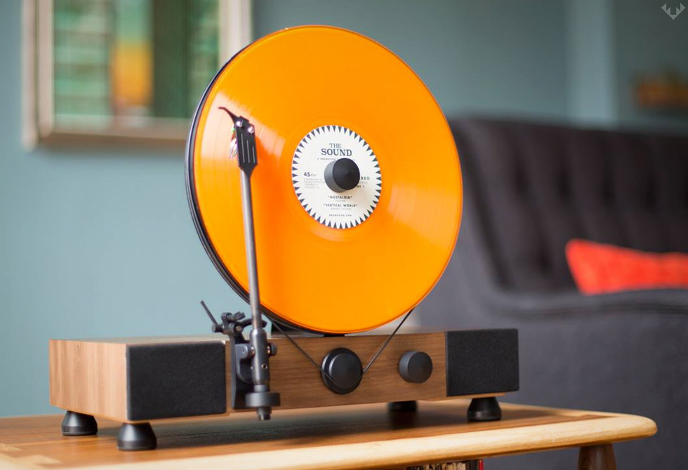 Gramovox-Floating-Record-Vertical-Turntable-5-LumberJac