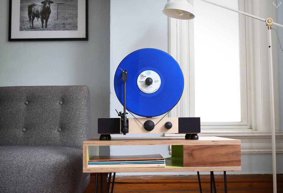 Gramovox-Floating-Record-Vertical-Turntable-6-LumberJac