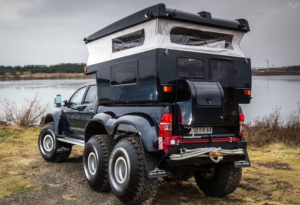 Hilux-AT44-6X6-Arctic-Truck-3-LumberJac