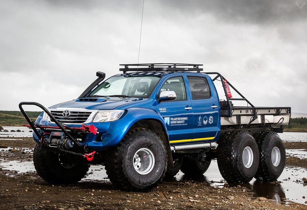 Hilux-AT44-6X6-Arctic-Truck-4-LumberJac