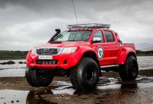 Hilux-AT44-6X6-Arctic-Truck-7-LumberJac