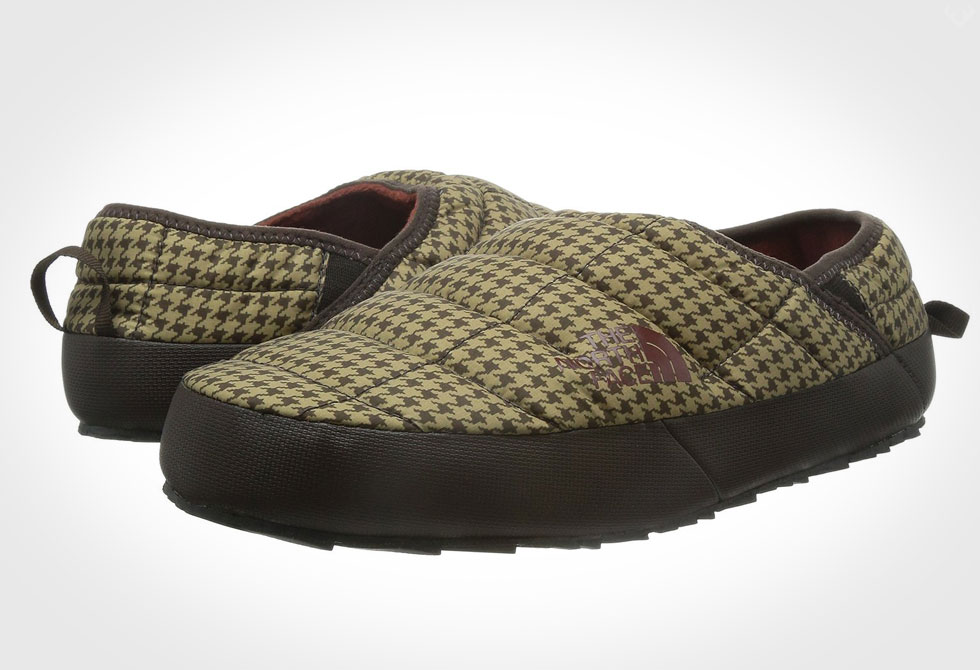 The North Face Thermoball Traction Mule II Slipper - Houndstooth 3/4 view
