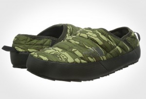The North Face Thermoball Traction Mule II Slipper - Camo 3/4 view
