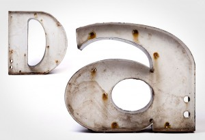Vintage Metal Type - D & A