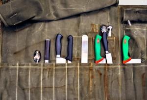 Motor-Oil-Knife-Roll4-LumberJac