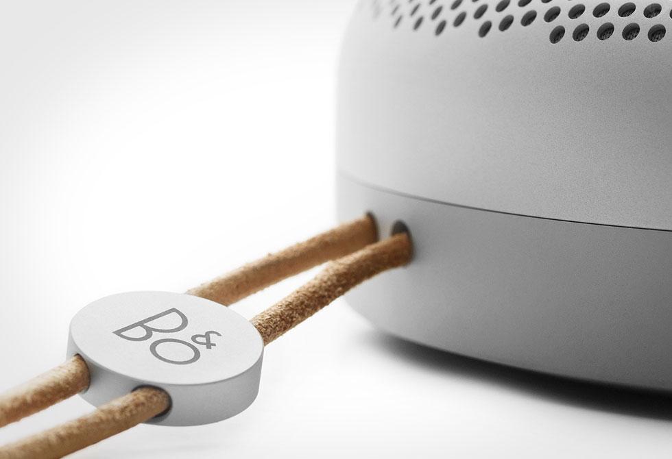 BEOPLAY-A1-Bluetooth-Speaker-7-LumberJac