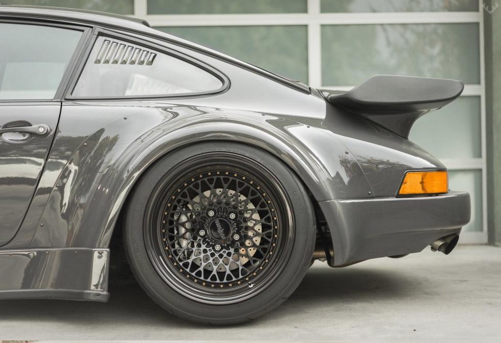 RWB-Porsche-911-Twin-Turbo-Custom-3-LumberJac