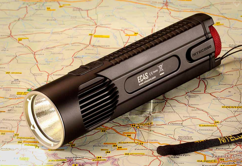 Nitecore-EC4S-Flashlight-waterproof-4-LumberJac
