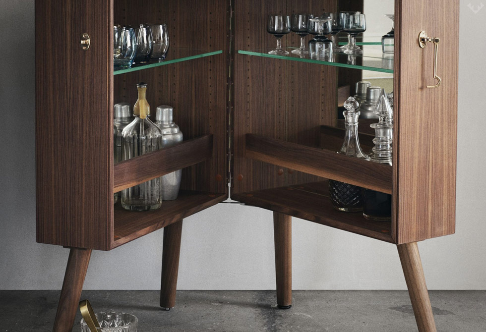 Oliver-Drinks-Cabinet-Walnut-3-LumberJac