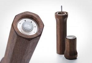Sophia-Pepper-Mill-Walnut-Made-in-Canada-1-LumberJac