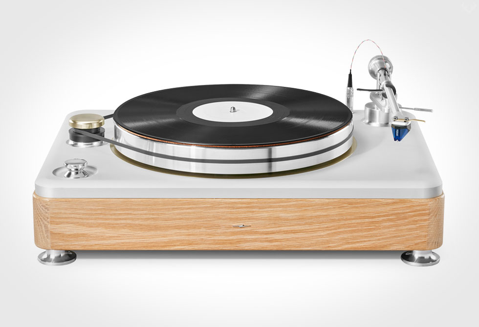 Shinola-Runwell-Turntable-LumberJac