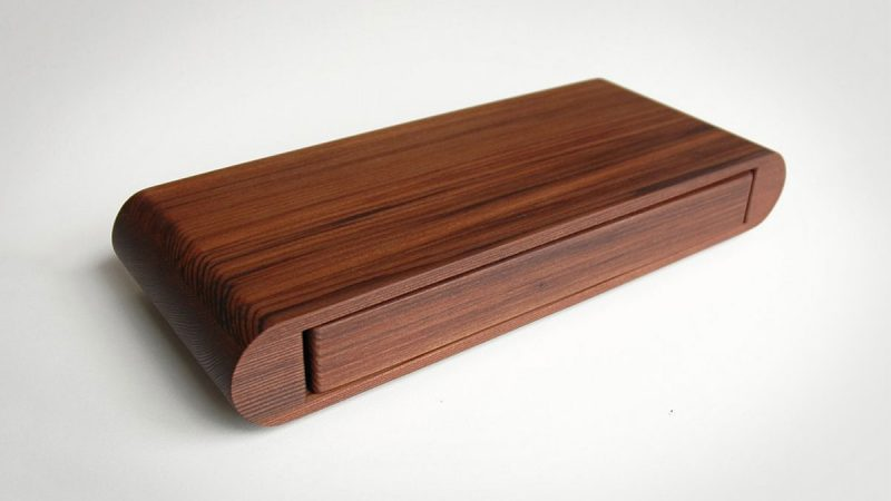 Uusi Redwood Playing Card Swivel Case