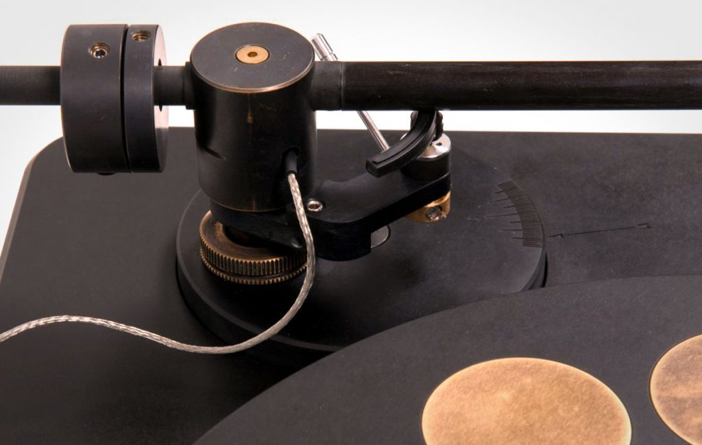 Fern and Roby Montrose Turntable