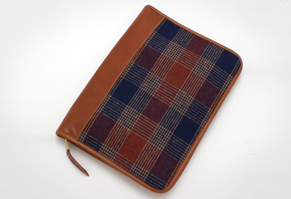 Vintage-Pendleton-Plaid-&-Cognac-Leather-Planner-iPad-Case-LumberJac