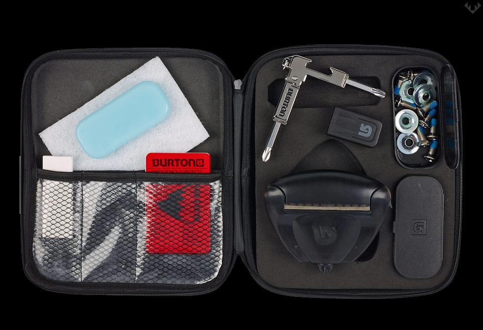 Burton-Mountain-Essentials-Kit-LumberJac