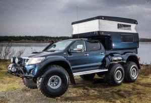 Hilux-AT44-6X6-Arctic-Truck-2-LumberJac