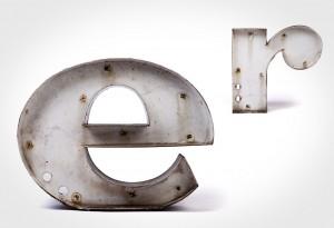 Vintage Metal Type - E & R