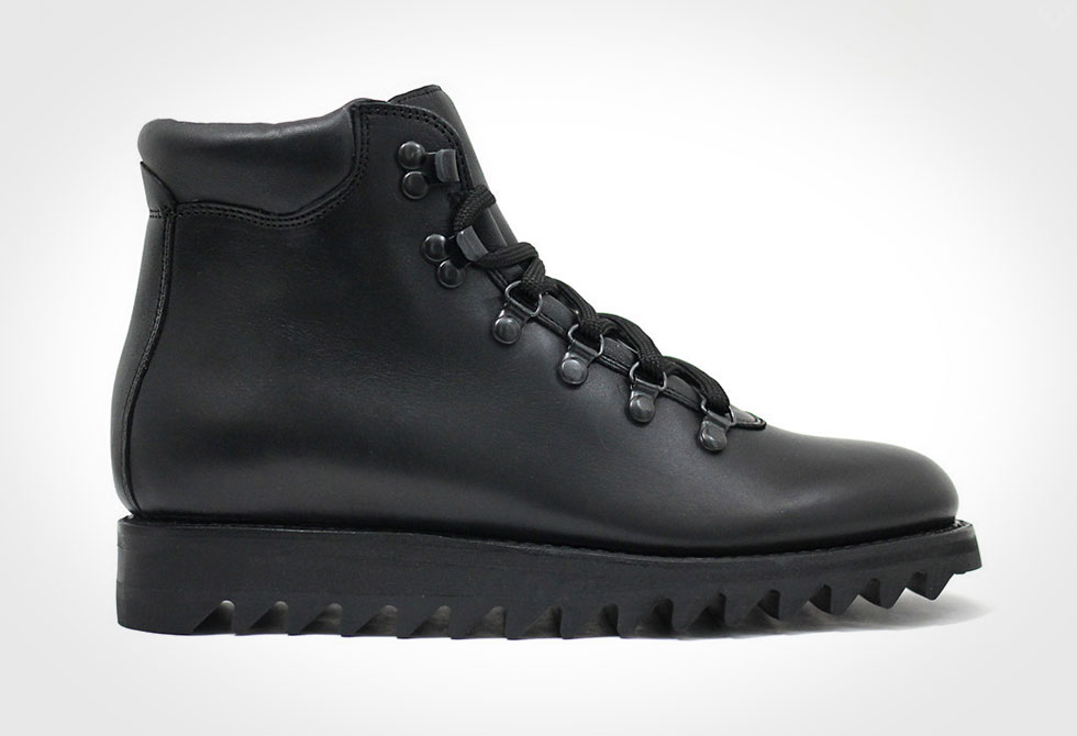 Blackout Commander Boots