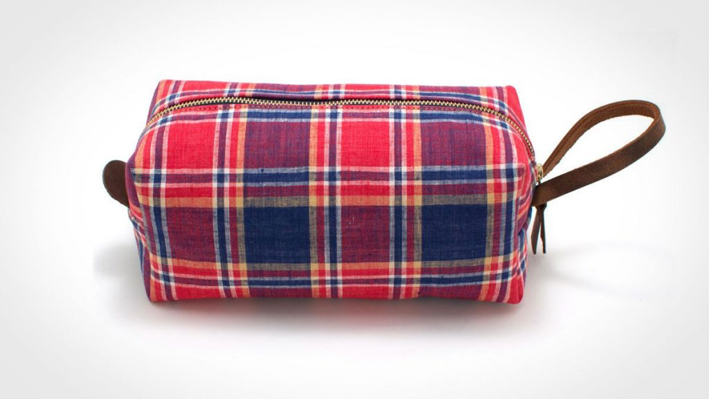 General Knot and Co 1960s Farmer's Plaid Dopp kit
